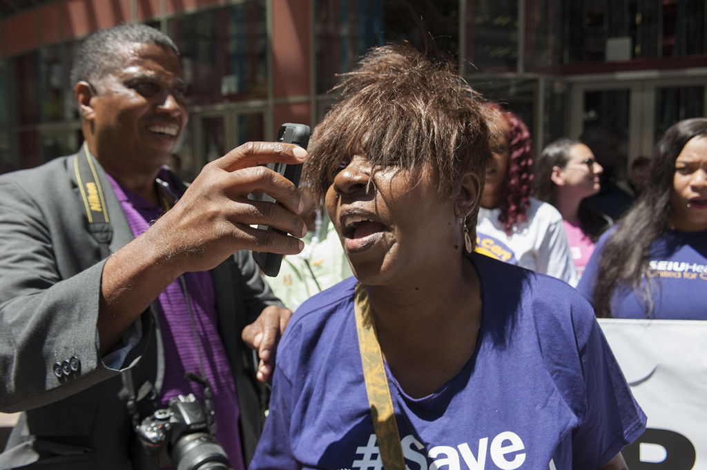 SEIU Healthcare VP Jaquie Algee on the phone with Governor Rauner's office, asking him to join other Governors in speaking out against GOP healthcare attacks